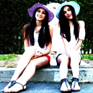 Andra Nechita & Bianca Scaglione - It's a Beautiful Day