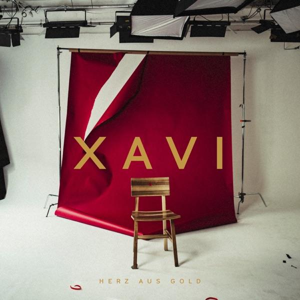 Xavi mit Herz aus Gold
