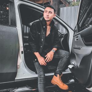 Mohd Nur Iman - Lari feat. Nami Harez & EL