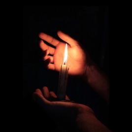 תוצ�ת ת�ונה עבור candle in the dark�