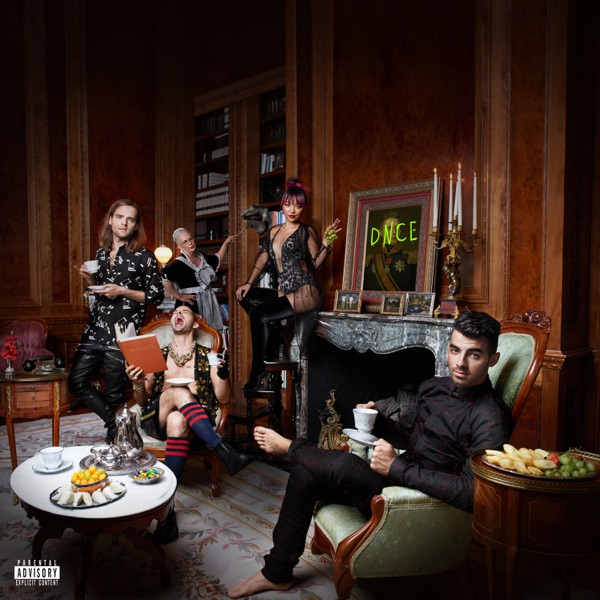 DNCE mit Cake by the Ocean