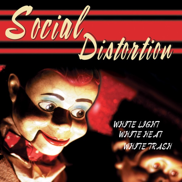 Social Distortion mit Don't Drag Me Down