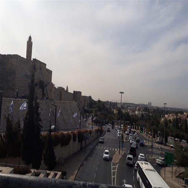 Entre Jerusalem y Buenos Aires - Myriam Boclin y el Rabino Uri Ayalon