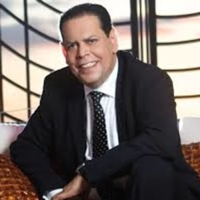 FERNANDO VILLALONA EN NOCHE DE ROMANCE podcast