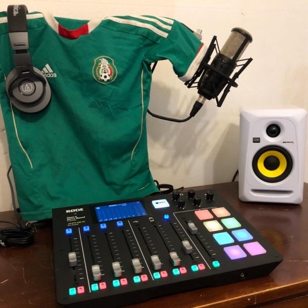 Latin Radio AL Aire