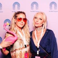 Isabel Adrian & Klara Svensson - Sjukt Oklart podcast