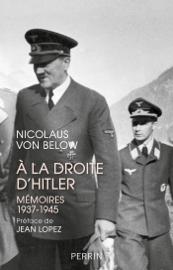 A la droite d'Hitler