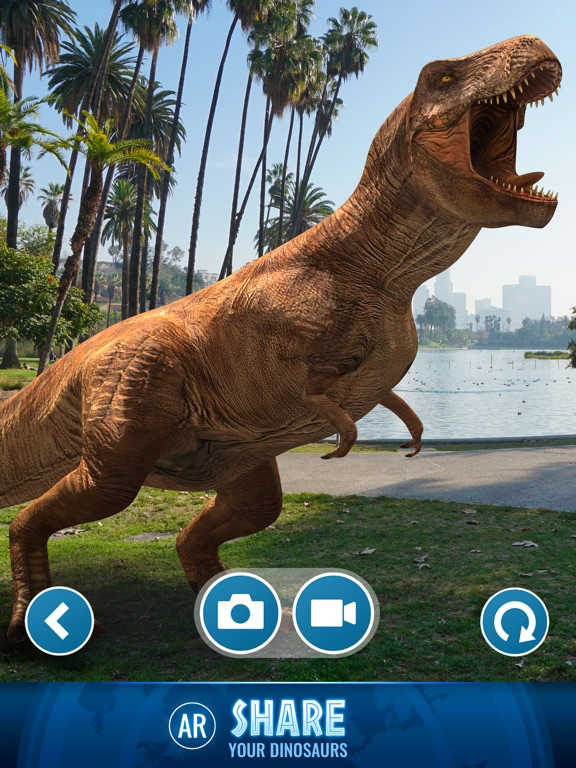 Jurassic World™ Alive-ipad-4