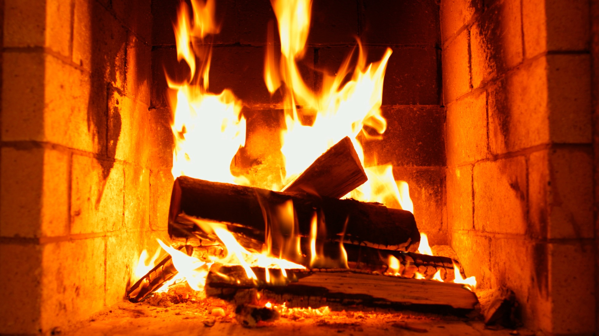 classic Fireplace – relaxing and romantic fire flames screenshot 2