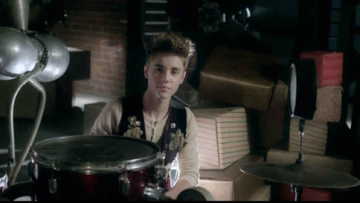 santa claus is coming to town download justin bieber