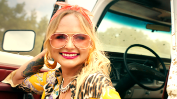 Miranda Lambert It All Comes Out in the Wash music review