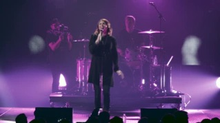In the River (feat. Kim Walker-Smith) [Live]